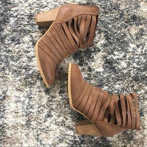 NWOT MI.IM Rear Zipper Cut Out Strappy Boots SZ 7